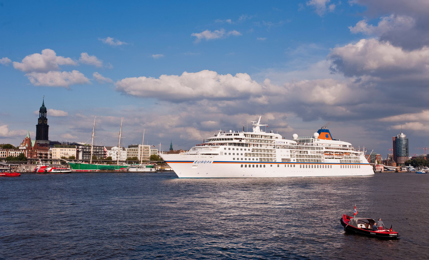 MS Europa in Hamburg