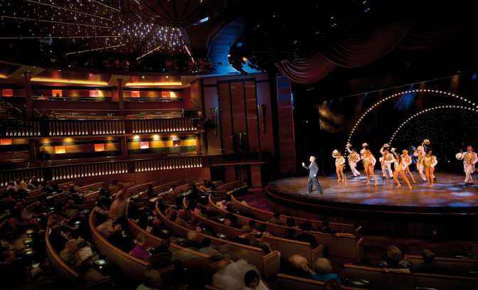 Theater en entertainment aan boord van schip Celebrity Constellation